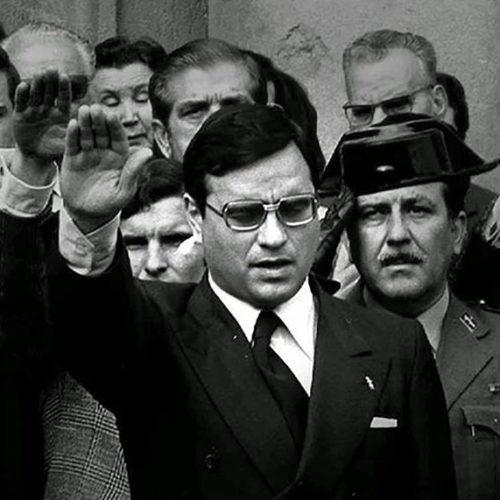 """Martín Villa ministroa """"persona non grata"""" izendatu du irunek"""